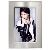 Hama portrétový rámeček Nantes, 10x15 cm, stříbrný - zvětšit obrázek
